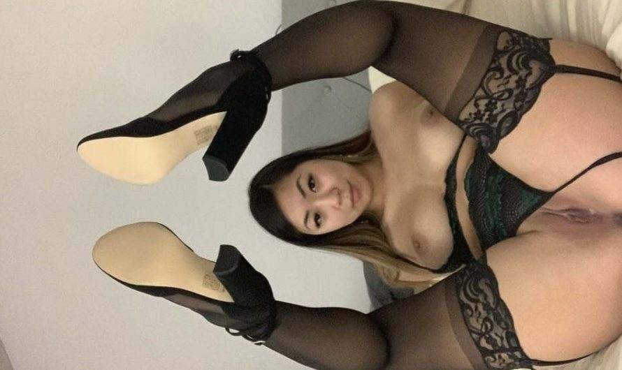 Sexy oriental desnuda pack